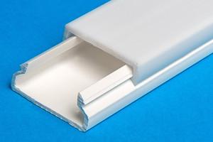 Led Kunststoff Profil Zum Einsetzen In Eine 14mm Nut Ohne Kante In